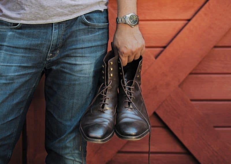 靴に良いものを選ぶイメージ