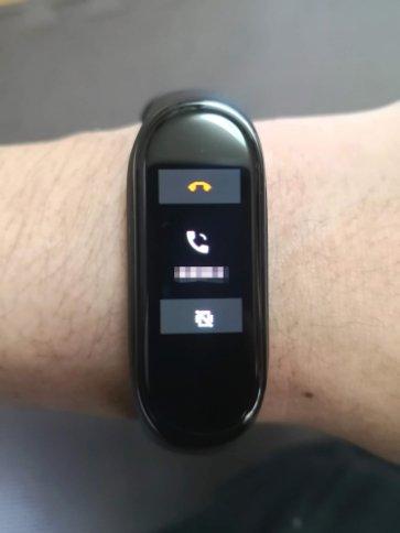 Mi スマートバンド4着信時の画面