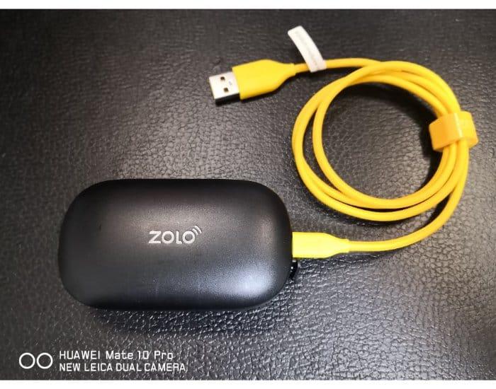 Zolo Libertyと充電ケーブル