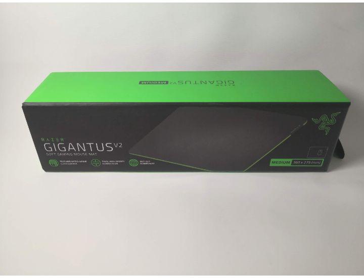 Razer gigantus v2パッケージ外箱