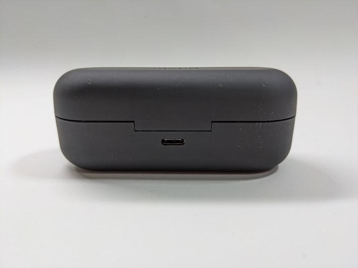 NUARL N10 ProのUSB-Type-Cポート