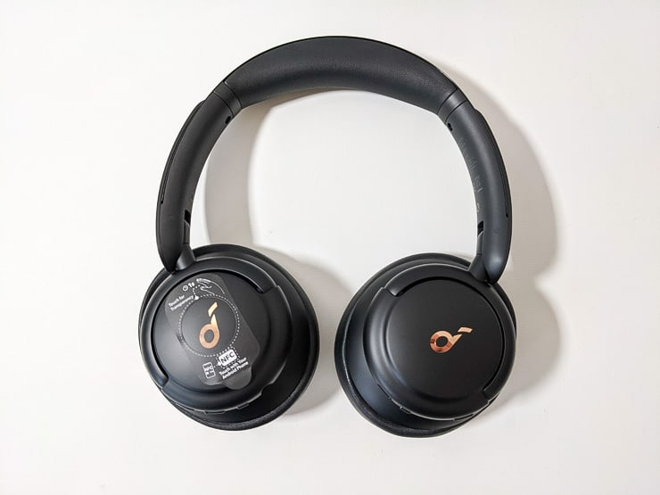 Soundcore Life Q30本体外観平置き