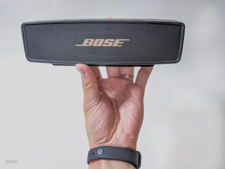 手に取った瞬間に上質さがわかるBOSEのSoundLink Mini Ⅱ