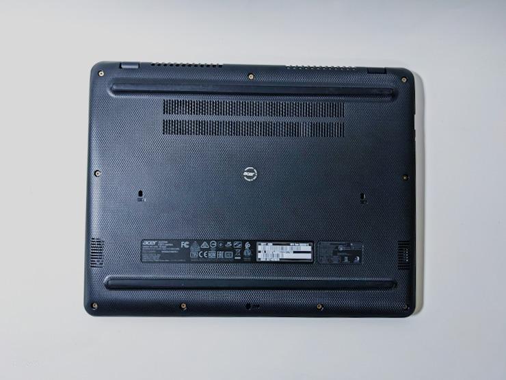 acer Chromebook 712の本体底面