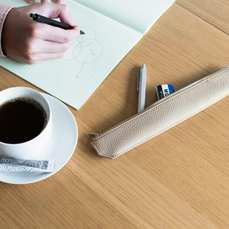 わずか37mmの筆箱。その元来は箸入れ